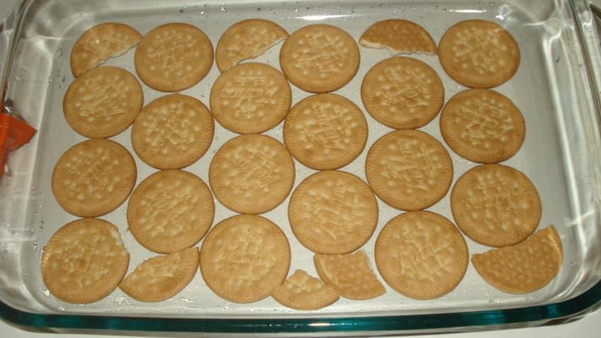 Fondo de la bandeja del pastel de galletas marias