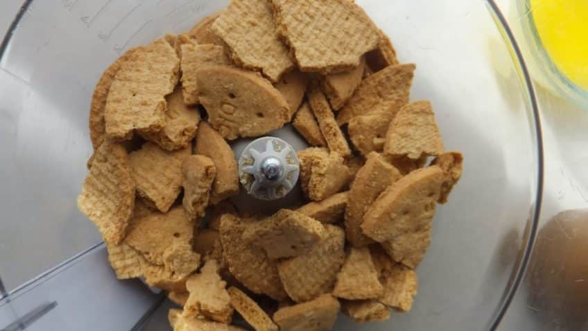 Receta de pastel de limón triturar galletas
