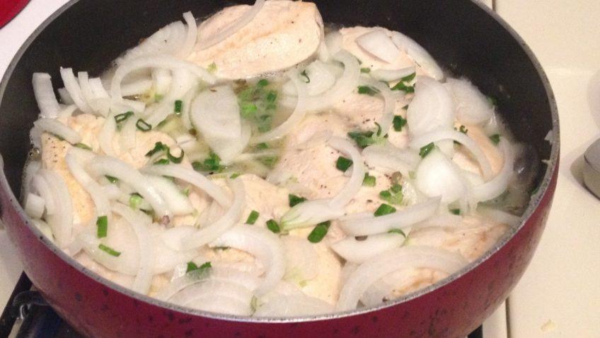 Receta de pollo en crema preparacion con vino blanco