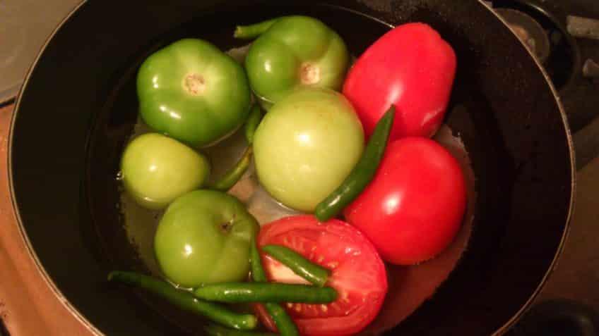 Receta de pollo mexicana cocinar tomates y chiles