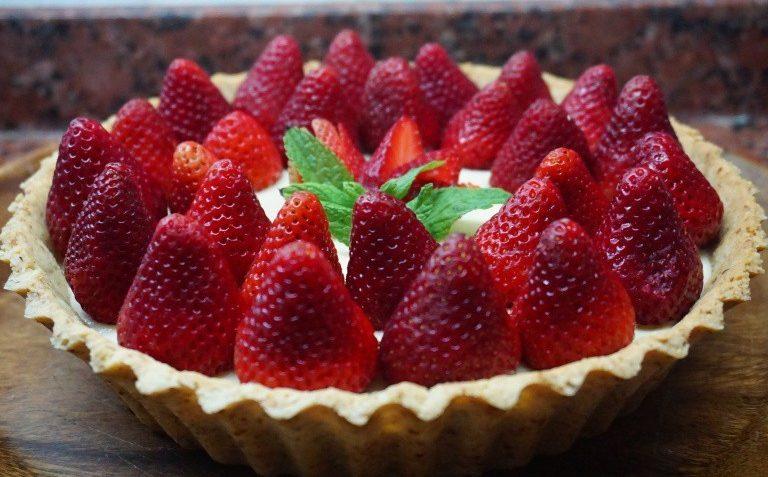 tarta de crema pastera y fresa