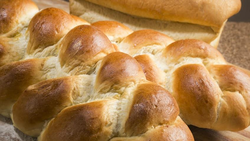 Pan de mantequilla en trenzas
