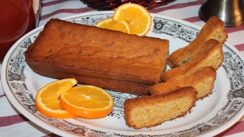 Pan de naranja listo para comerPan de naranja listo para comer