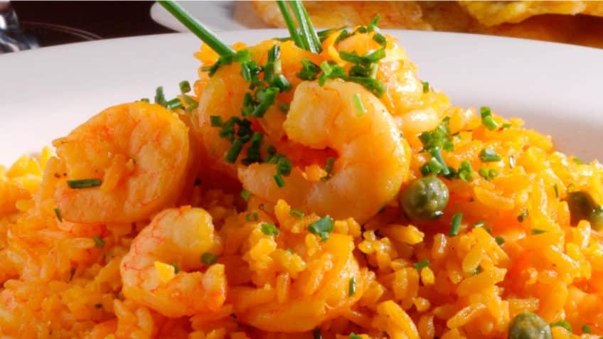 Exquisitos camarones con arroz