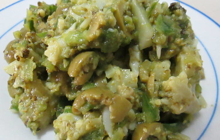 exquisita ensalada verde con brocoli