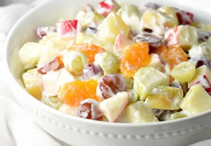 ingredientes de la ensalada de frutas con crema
